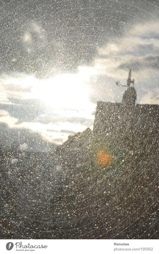 Ich sollte mal Fenster putzen... Himmel Wasser Sonne Wolken Haus Fenster Regen dreckig Wassertropfen Klima Dach Schönes Wetter chaotisch Antenne schlechtes Wetter Technik & Technologie