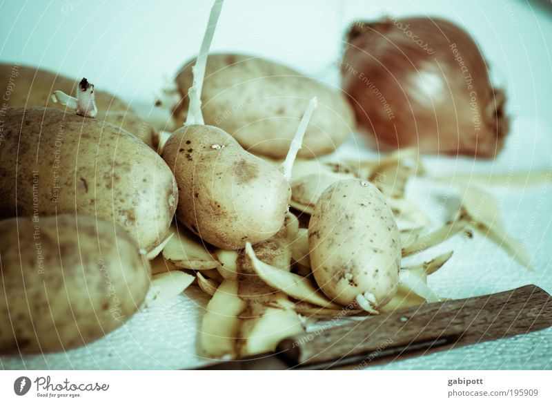 Deutsche Küche blau braun natürlich Lebensmittel Ernährung Sauberkeit Kochen & Garen & Backen Küche Bioprodukte Messer Mittagessen Haushalt Hülle fleißig Suppe Kartoffeln