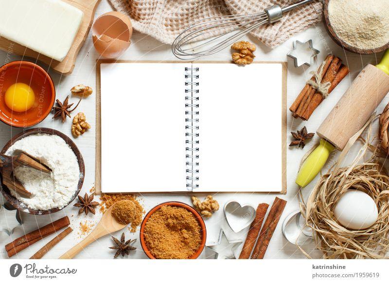 Leeres kochendes Buch, Bestandteile und Geräte für das Backen weiß Holz braun frisch Tisch Papier Kräuter & Gewürze Küche Dessert Ei Schalen & Schüsseln