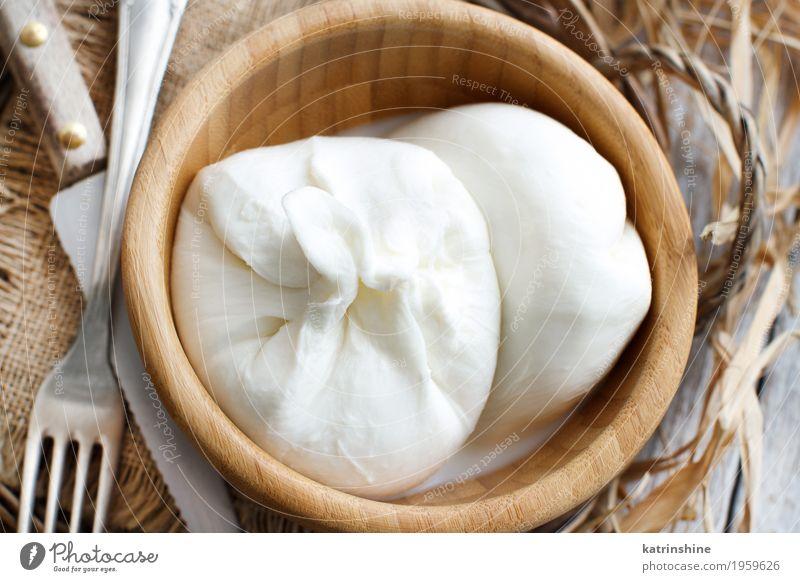 Italienischer Käse Burrata Milcherzeugnisse Ernährung Vegetarische Ernährung Schalen & Schüsseln Gabel Holz frisch lecker weich weiß Amuse-Gueule Apulien