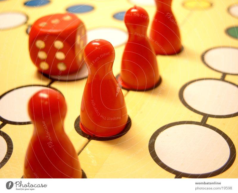 Gewonnen! Brettspiel Spielen Würfel Erfolg Freizeit & Hobby Holzbrett Spielfigur Spielbrett