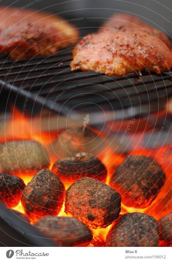es wird wieder gegrillt ! Lebensmittel Fleisch Ernährung Abendessen Bioprodukte Übergewicht Camping Sommer Sommerurlaub Feste & Feiern heiß lecker