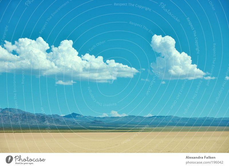 Desert Himmel Wolken Klima Schönes Wetter blau Wüste Wüstenpiste Nevada USA Amerika Autobahn Wolkenhimmel Berge u. Gebirge Hügel Blauer Himmel grün Kontinente
