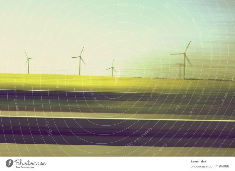 rad räder rädest Energiewirtschaft Erneuerbare Energie Windkraftanlage Landschaft Himmel Wolkenloser Himmel Frühling Klima Klimawandel Gras Feld Straßenverkehr