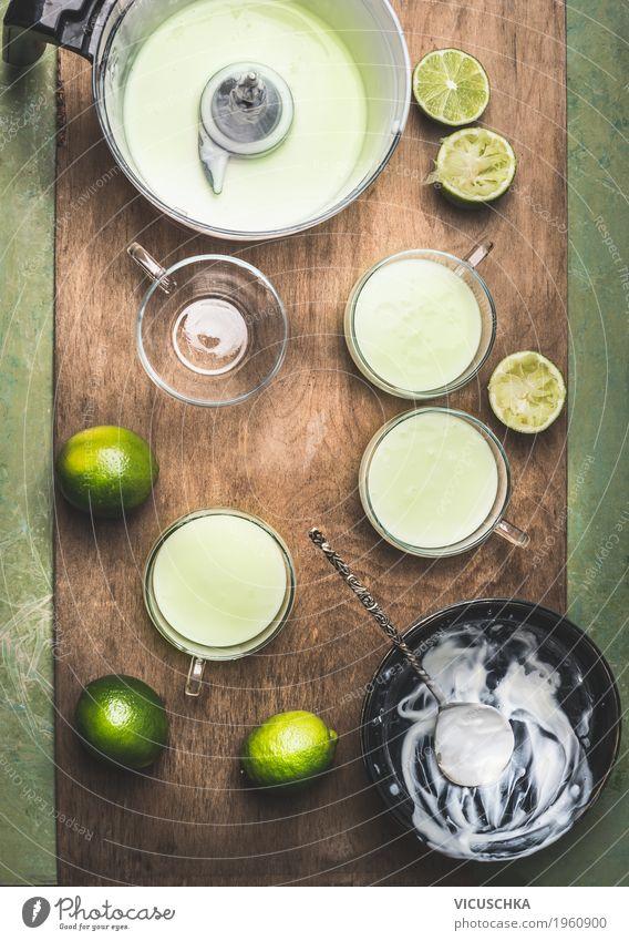 Limette Joghurt machen Lebensmittel Milcherzeugnisse Frucht Dessert Ernährung Bioprodukte Vegetarische Ernährung Diät Geschirr Stil Design Gesundheit