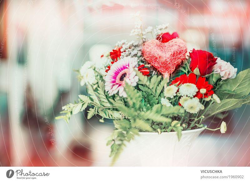 Blumen und Herz Dekor in Vase Stil Design Leben Feste & Feiern Valentinstag Muttertag Natur Pflanze Blatt Blüte Dekoration & Verzierung Blumenstrauß Zeichen