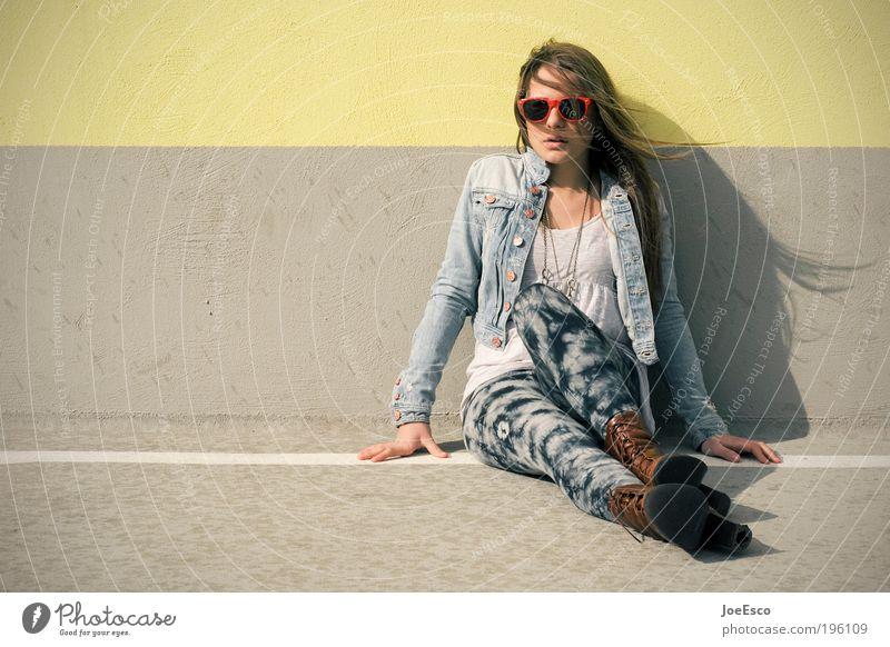 P10 Frau Mensch schön Mode Erwachsene Lifestyle Stiefel langhaarig Porträt