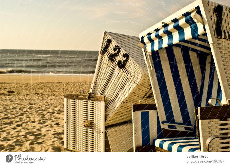 Strandkorbgeflüster Sonne Meer Sommer Ferien & Urlaub & Reisen Ferne Erholung träumen Sand Zufriedenheit Küste Insel Tourismus Schönes Wetter Nordsee