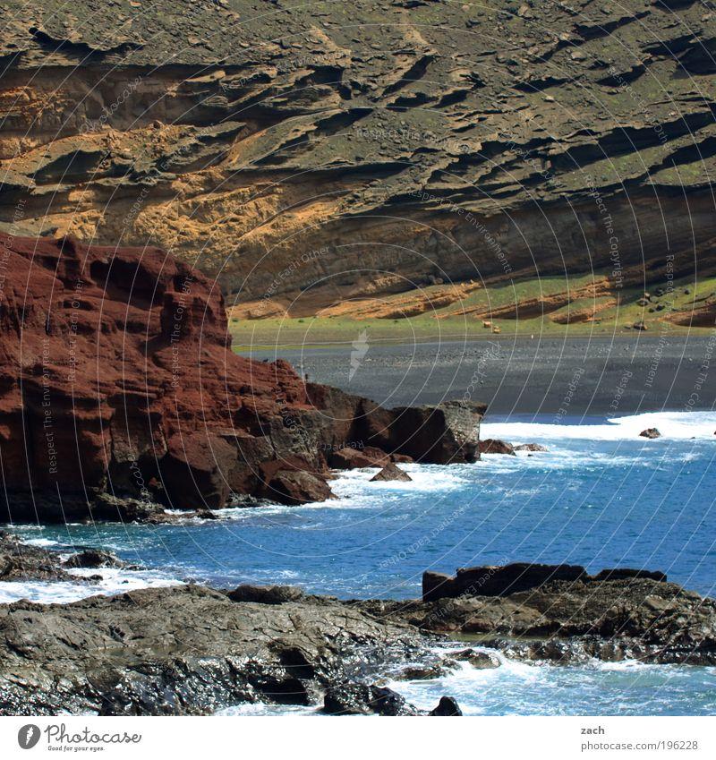 Lanzarote Ferien & Urlaub & Reisen Tourismus Sommerurlaub Strand Meer Insel Wellen Umwelt Natur Landschaft Urelemente Erde Sand Wasser Vulkan Küste Stein