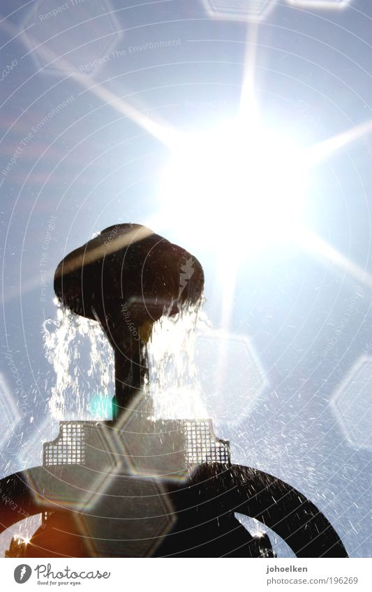 Hexagon Himmel blau Wasser schön Sonne Sommer Gefühle Glück Park Kunst glänzend nass Design Wassertropfen ästhetisch leuchten