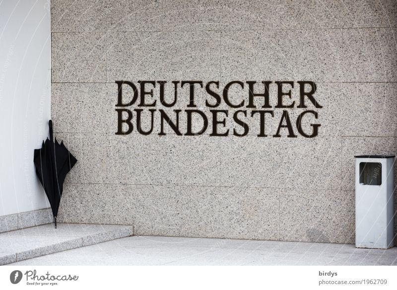 vom Regen in die Traufe Arbeitsplatz Politiker Bonn Deutschland Mauer Wand Treppe Sehenswürdigkeit Deutscher Bundestag Regenschirm Aschenbecher Schriftzeichen