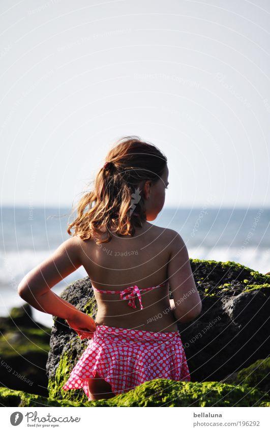 Ich liebe das Meer! Mensch Kind Natur Mädchen Strand Umwelt Leben Kopf Haare & Frisuren Glück Küste Wetter Kindheit Wellen Wind
