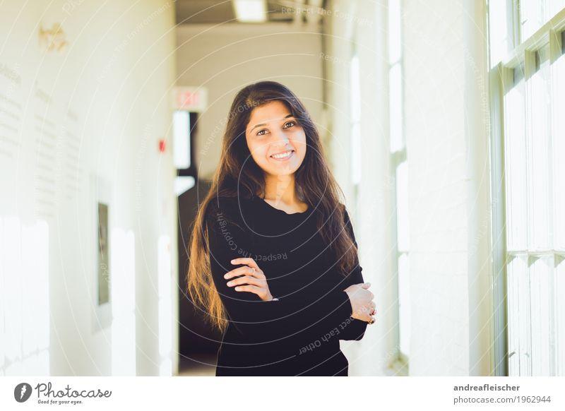 Pallavi 09 Bildung Wissenschaften Erwachsenenbildung Lehrer Student Dienstleistungsgewerbe Business feminin Junge Frau Jugendliche Leben 1 Mensch 18-30 Jahre