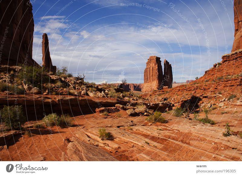 weites Land hohe Säulen Natur Himmel Wolken Landschaft Umwelt Schönes Wetter Fernweh Arches National Park