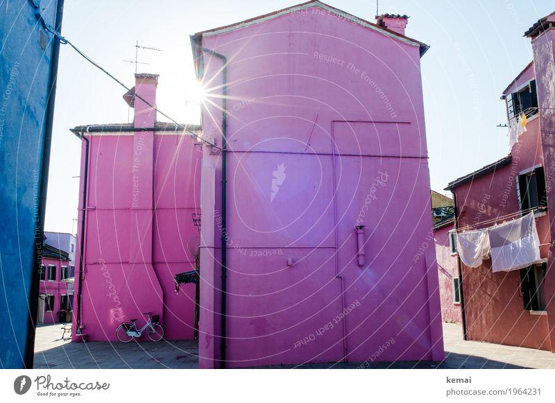 Farbenhaus Ferien & Urlaub & Reisen Haus ruhig Leben Wand Gebäude Mauer außergewöhnlich Freiheit Tourismus Fassade rosa Freizeit & Hobby Ausflug glänzend