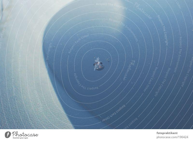Scheibensprung Wolken Kurve Glas Kunststoff kalt kaputt blau grau Farbfoto Außenaufnahme Nahaufnahme Strukturen & Formen Menschenleer Tag Kontrast