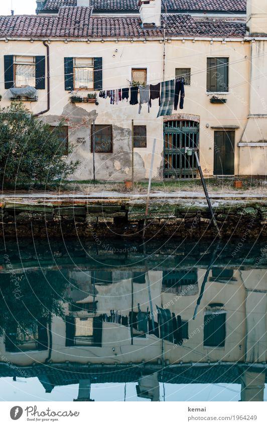 Venedig, Italien alt Stadt grün Wasser Haus ruhig Fenster Wand Mauer Garten Fassade Tür authentisch Sauberkeit T-Shirt