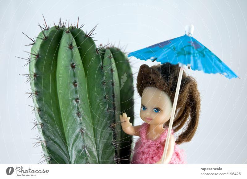 holiday Mensch Mädchen grün blau Pflanze Ferien & Urlaub & Reisen Ferne Ausflug Tourismus Körperhaltung Wüste Spielzeug Puppe Schirm exotisch Tourist
