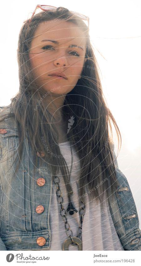 is it really real... Lifestyle Stil schön harmonisch Sommer Sommerurlaub Mensch Frau Erwachsene Leben Haare & Frisuren Gesicht 1 Sonnenlicht Jacke Accessoire