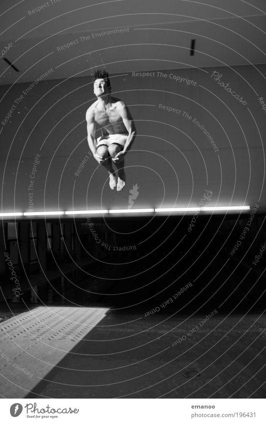 doppelt schnell Mensch Mann Jugendliche Freude Sport springen Bewegung Körper Erwachsene maskulin fliegen Kraft Lifestyle Schwimmbad Freizeit & Hobby
