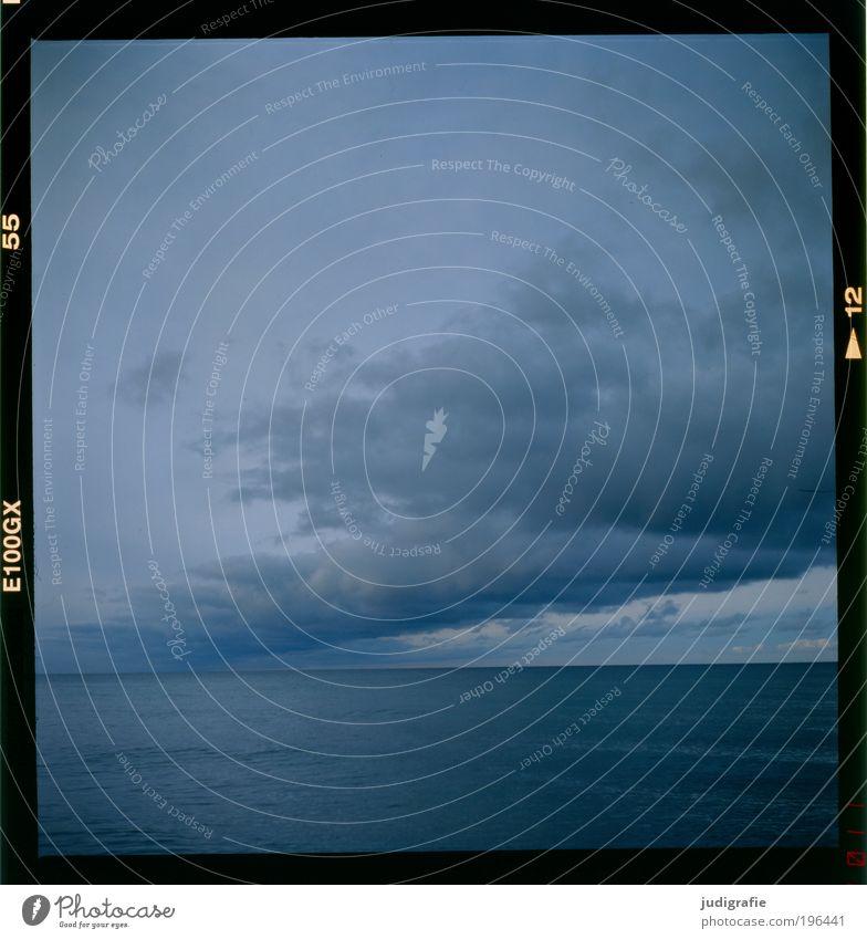 Küste Natur Himmel Meer ruhig Wolken dunkel Landschaft Küste Wetter Umwelt außergewöhnlich Ostsee Zeit Dia Gefühle Endzeitstimmung
