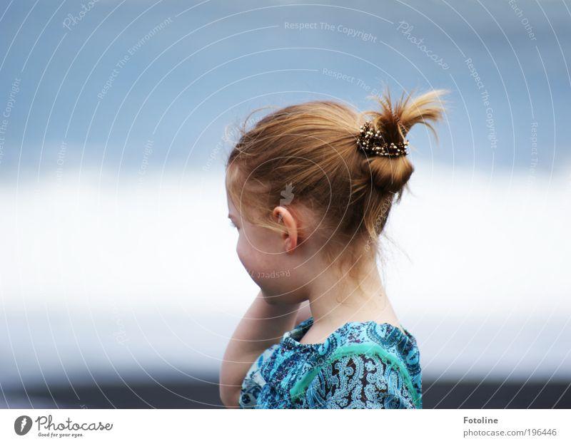 Leonie Mensch Kind Natur blau Wasser schön Mädchen Sommer Strand Gesicht Umwelt Landschaft Wärme Kopf Haare & Frisuren Küste