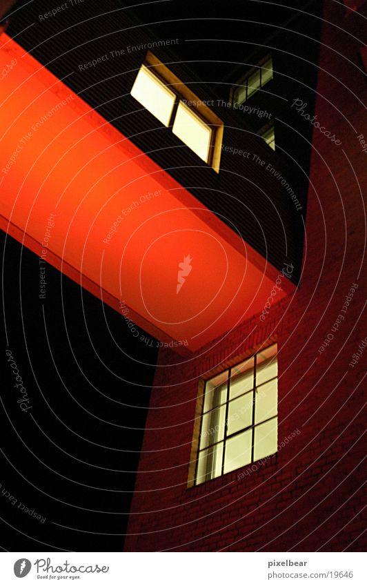 Rotlichtmillieu Haus Architektur Brücke Ampel Industrieanlage Nachtaufnahme