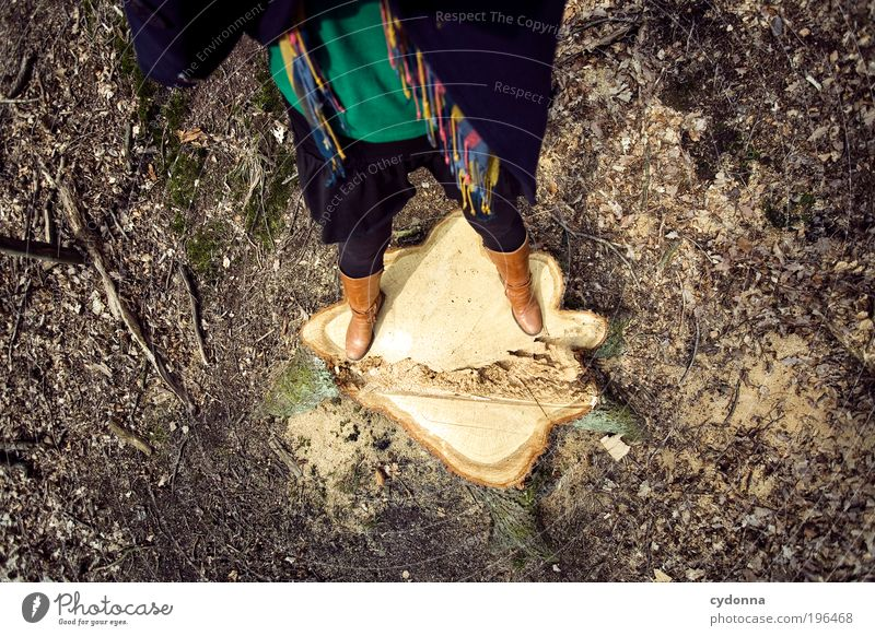 Nachwuchs Mensch Frau Natur Baum Erwachsene Umwelt Leben Bewegung Stil Beine Mode Erde Wachstum stehen planen Wandel & Veränderung