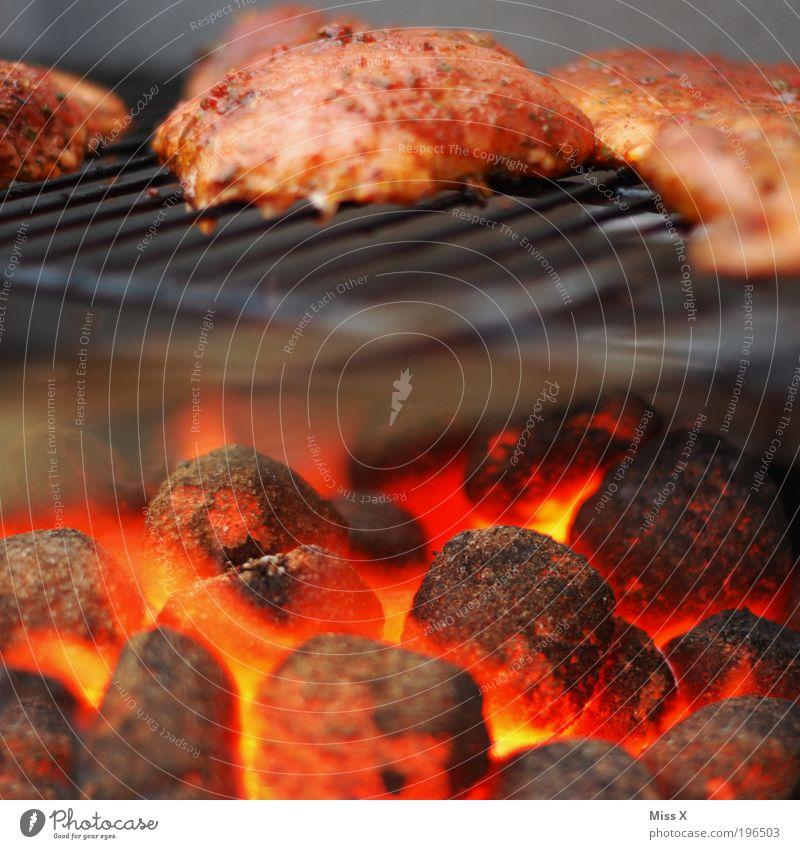 letztes Grillbild Ernährung Lebensmittel heiß brennen Grillen Bioprodukte Fett Fleisch Kohle Kochen & Garen & Backen glühen Grillrost roh Steak