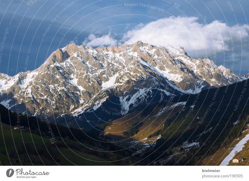 Bergstück Klettern Bergsteigen Skier Skipiste Natur Landschaft Urelemente Erde Luft Wasser Himmel Wolken Horizont Sonnenlicht Winter Klima Klimawandel
