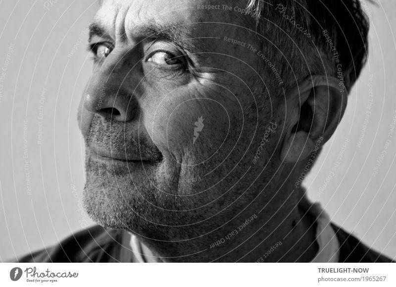 Nur kurz mal 'nen Blick riskieren Mensch maskulin Männlicher Senior Mann Leben Kopf Gesicht Auge Ohr Nase Mund Lippen Bart 1 60 und älter Sympathie