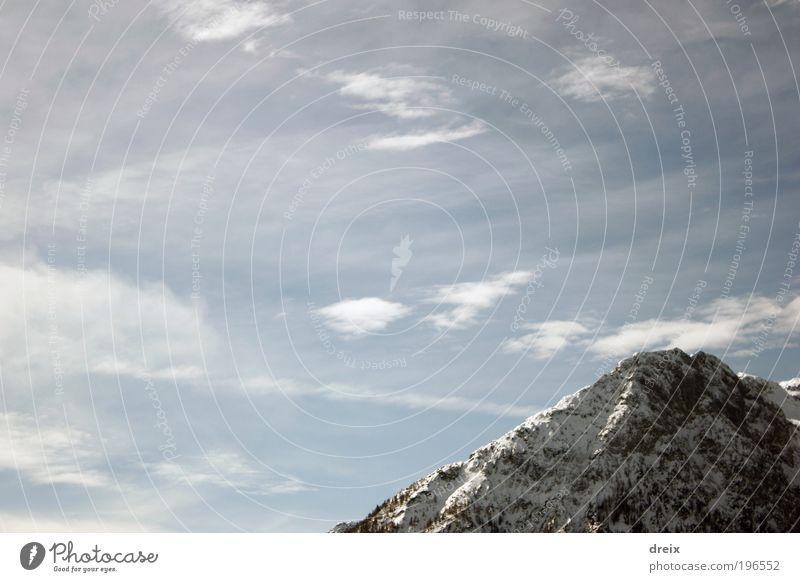 Dort oben... Natur Landschaft Urelemente Luft Himmel Wolken Winter Schönes Wetter Schnee Felsen Alpen Berge u. Gebirge Schneebedeckte Gipfel frei gigantisch