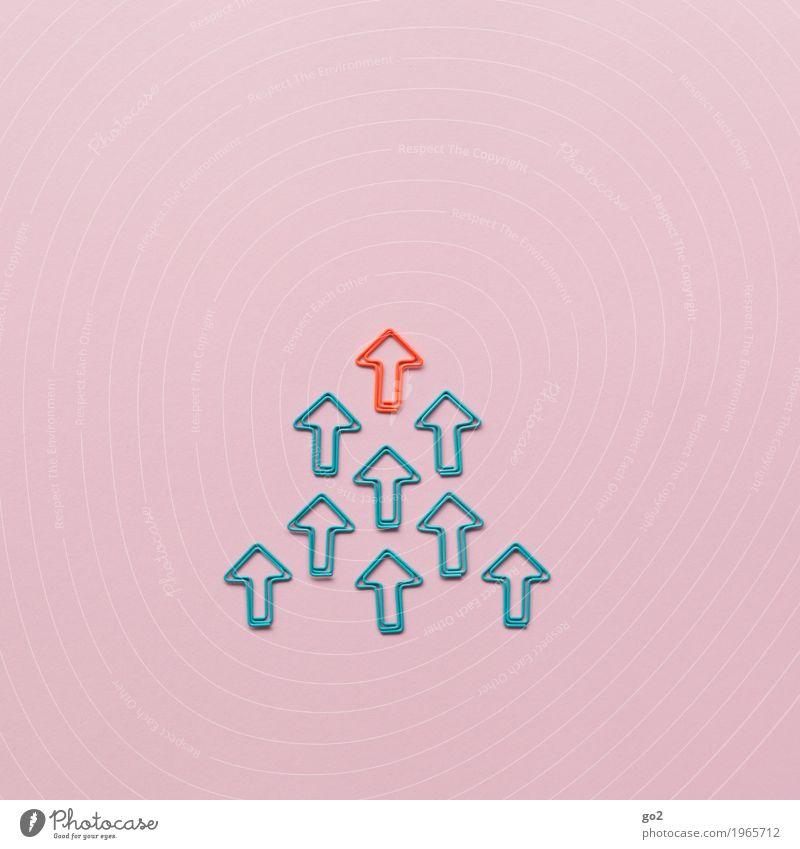 Aufwärts Arbeit & Erwerbstätigkeit Beruf Büroarbeit Wirtschaft Business Karriere Erfolg Sitzung sprechen Team Büroklammern Zeichen Schilder & Markierungen Pfeil