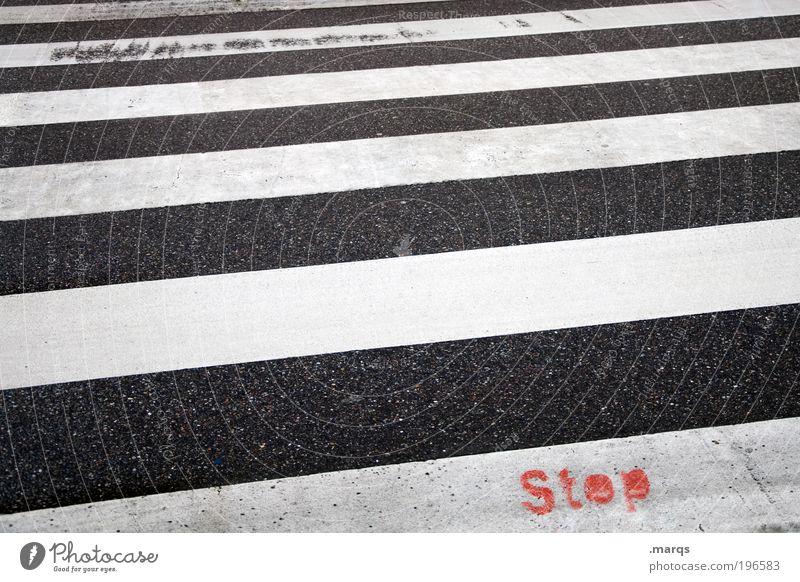 Stop & Go Stadt Straße Wege & Pfade Linie Graffiti warten gehen Straßenverkehr Schilder & Markierungen Verkehr Ausflug Sicherheit gefährlich Schriftzeichen einfach Streifen