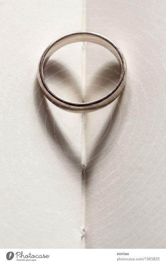 Ring mit Herz weiß Liebe Buch Gold Papier Hochzeit Zusammenhalt Schmuck silber Buchseite herzförmig Goldlegierung