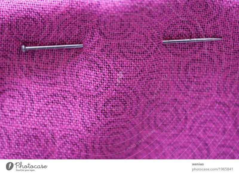 Stecknadel im Stoff rosa Kreis violett silber Handarbeit Nähen Nadel Baumwolle Nähnadel stecken