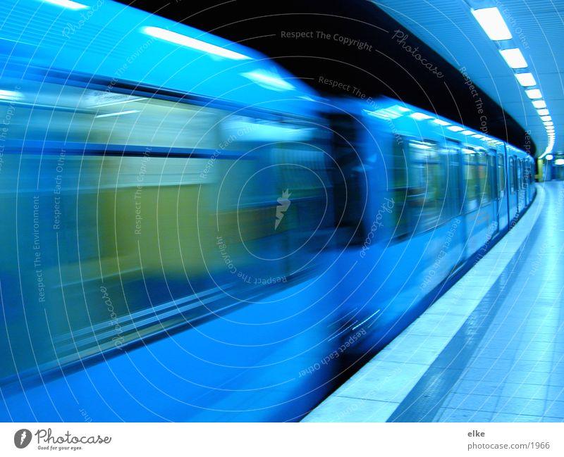 ubahn-abfahrt U-Bahn Fenster Verkehr Eisenbahn Bewegung Abfahrt
