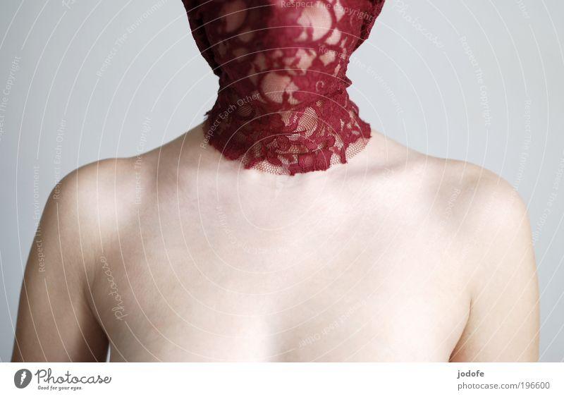 anonym Mensch Jugendliche schön rot Einsamkeit Erwachsene feminin nackt Stil Mode Kunst ästhetisch Stoff 18-30 Jahre geheimnisvoll Brust