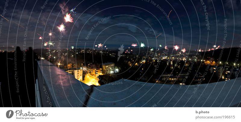 Silvester Himmel blau Stadt Freude schwarz Bewegung Glück Stimmung Beleuchtung Feste & Feiern glänzend Fröhlichkeit Silvester u. Neujahr Kitsch Aussicht