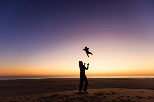 Erste Flugstunde Freude Glück sportlich Spielen Ferien & Urlaub & Reisen Tourismus Ferne Meer Kindererziehung Mensch maskulin Baby Junge Junger Mann Jugendliche