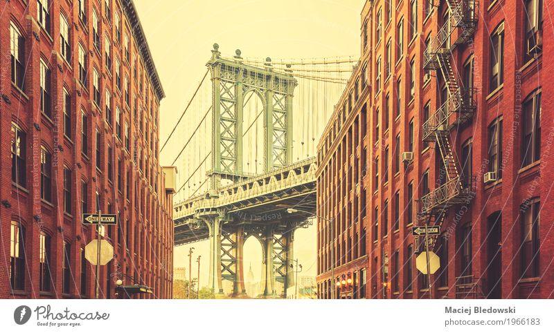 Retro stilisiertes Foto von Manhattan Bridge Ferien & Urlaub & Reisen Sightseeing Städtereise New York City USA Kleinstadt Stadt Stadtzentrum Brücke Gebäude