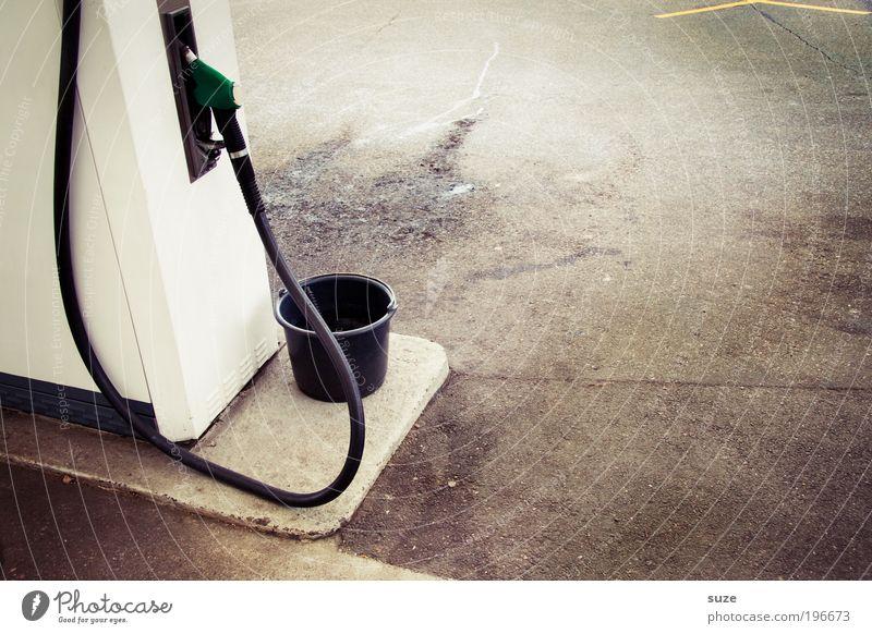 Zapfsäule Umwelt Klima Dienstleistungsgewerbe Klimawandel Erdöl Gas Schlauch Benzin Eimer Tank umweltfreundlich Brennstoff Tankstelle teuer