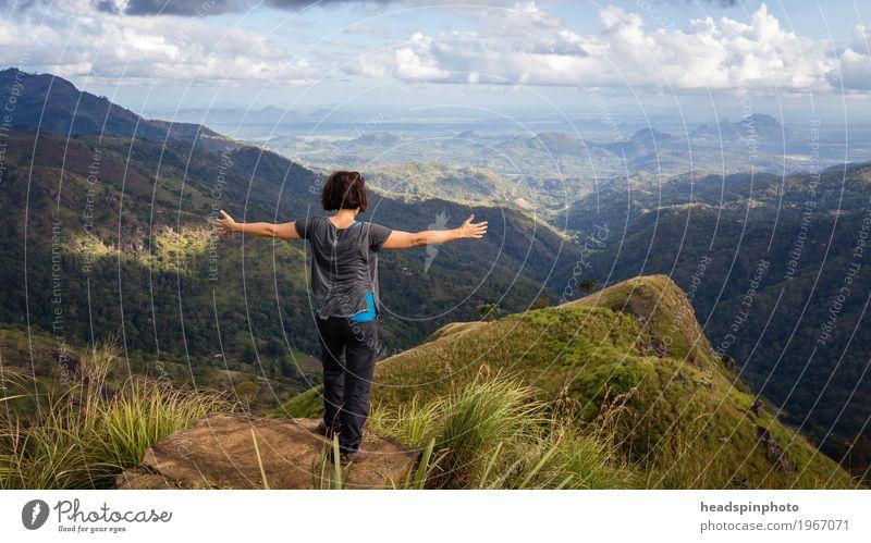 Auf dem Gipfel des Adam's Peak Leben Meditation Tourismus Ausflug Abenteuer Ferne Freiheit Expedition Berge u. Gebirge wandern Klettern Bergsteigen Yoga feminin
