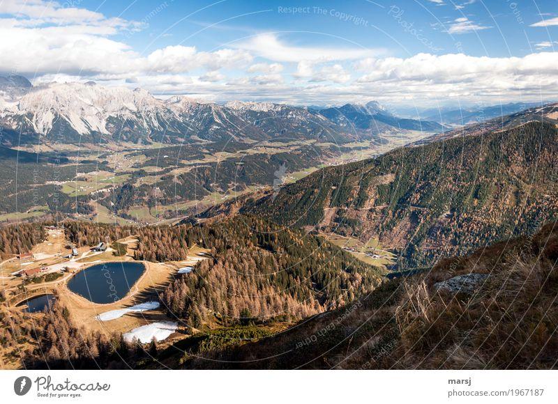 Einfach mal drüberschauen Ferien & Urlaub & Reisen Tourismus Ausflug Ferne Freiheit Berge u. Gebirge wandern Wanderausflug Herbst Schönes Wetter Alpen