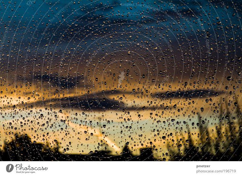 Regnerischer Sonnenuntergang Umwelt Natur Landschaft Wasser Wassertropfen Himmel Nachthimmel Sonnenlicht Sommer Klima Wetter schlechtes Wetter Regen Gewitter