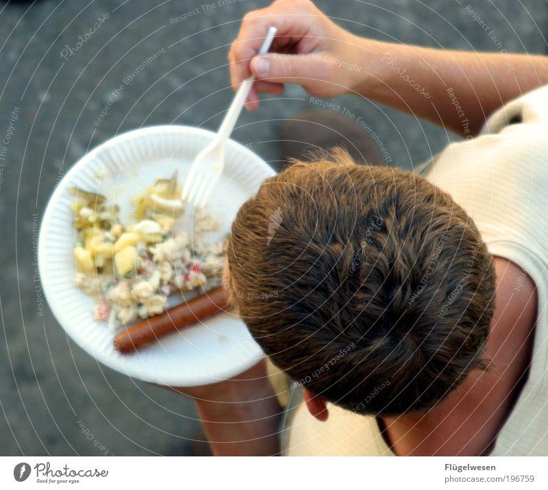 Ich habe Durst, ähhh Wurst Erholung Essen Haare & Frisuren Lebensmittel blond Ernährung Kunststoff Leidenschaft Geschirr Kochen & Garen & Backen Grillen Teller