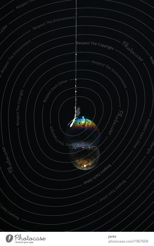 bubbles IV Spielen Wasser hängen fantastisch nass rund Kreativität Seifenblase Nähgarn Schweben regenbogenfarben Farbfoto Innenaufnahme Studioaufnahme