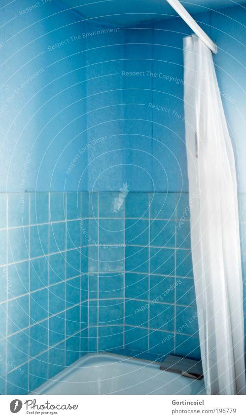 Blau Körperpflege Wellness Erholung Häusliches Leben Wohnung Haus Renovieren Innenarchitektur Tapete Badewanne Raum kalt blau altmodisch Fliesen u. Kacheln