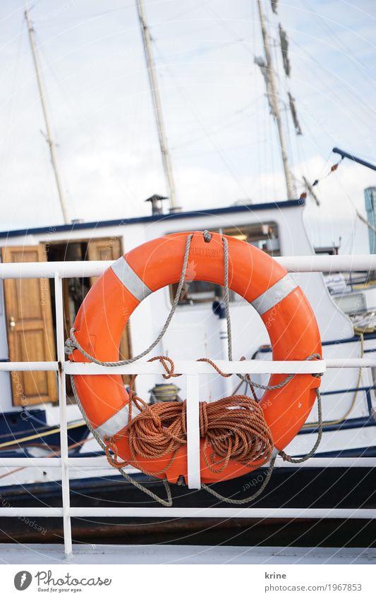 zur See Ausflug Abenteuer Ferne Kreuzfahrt Meer Schifffahrt Binnenschifffahrt Bootsfahrt maritim retro orange Vertrauen Sicherheit Schutz Rettung Rettungsring