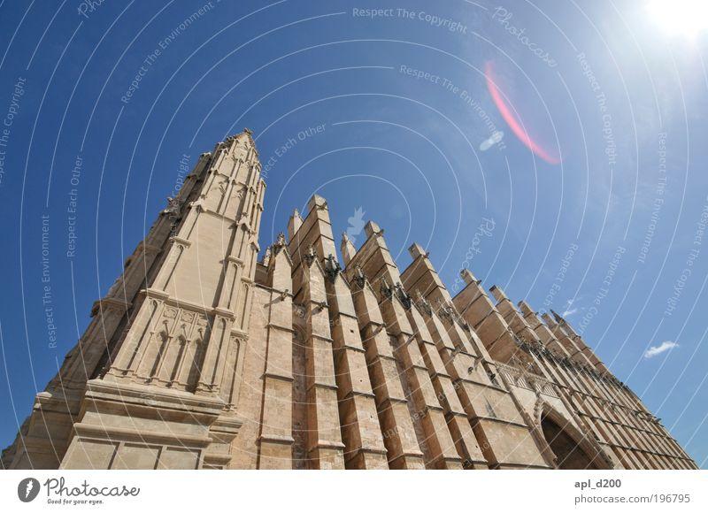 La Seu Ferien & Urlaub & Reisen Tourismus Kunst Palma de Mallorca Haus Kirche Dom Mauer Wand Sehenswürdigkeit Wahrzeichen stehen ästhetisch authentisch